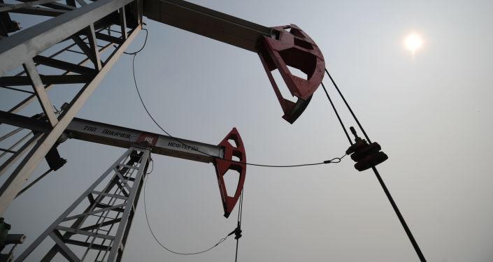 俄盧克石油在華子公司期待很快與徐工集團簽訂供貨合同