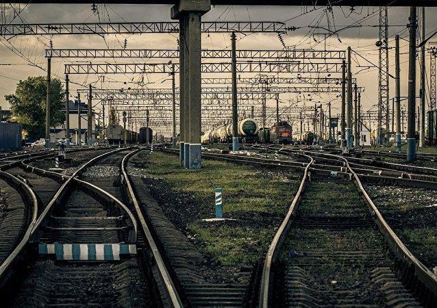 中俄等七国将加强铁路货运合作