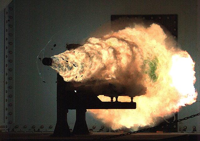 专家:美国电磁轨道炮不太适合于实战