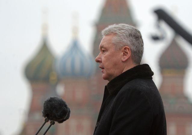 莫斯科市长祝贺老战士胜利日快乐并指出汲取战争教训的重要性