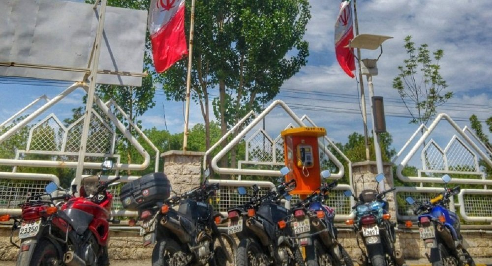 一伊朗女子騎摩托車環球旅行超1.8萬公里