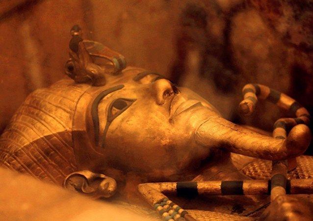 科學家發現埃及法老匕首使用外星材質