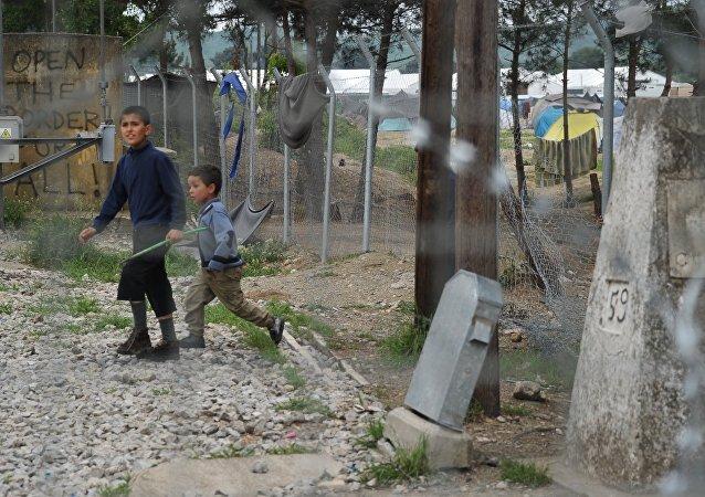 奥地利外长:在欧盟国家的难民最好就留在各岛上