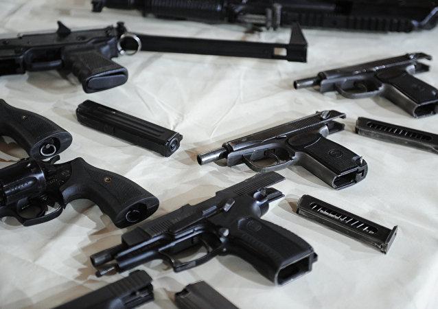 俄联邦安全局:莫斯科查获一贩卖武器的新纳粹团伙