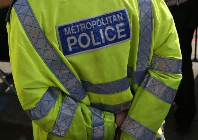 英國警官假裝狗叫抓捕罪犯