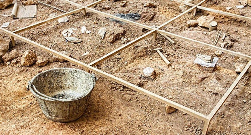 考古学家发现古老游戏棋盘