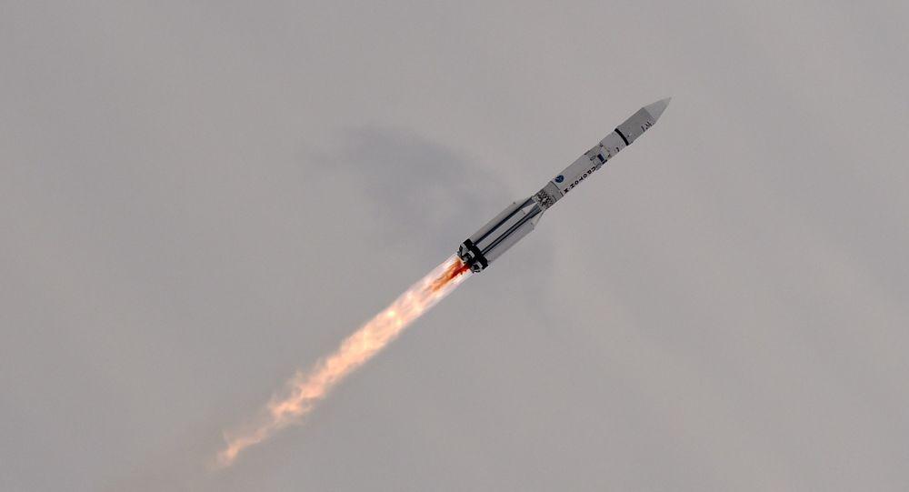 Старт ракеты Протон-М с космодрома Байконур