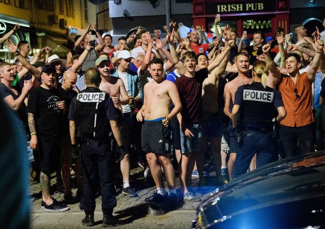 法内政部:从2016年欧洲杯开始在法共323人被捕
