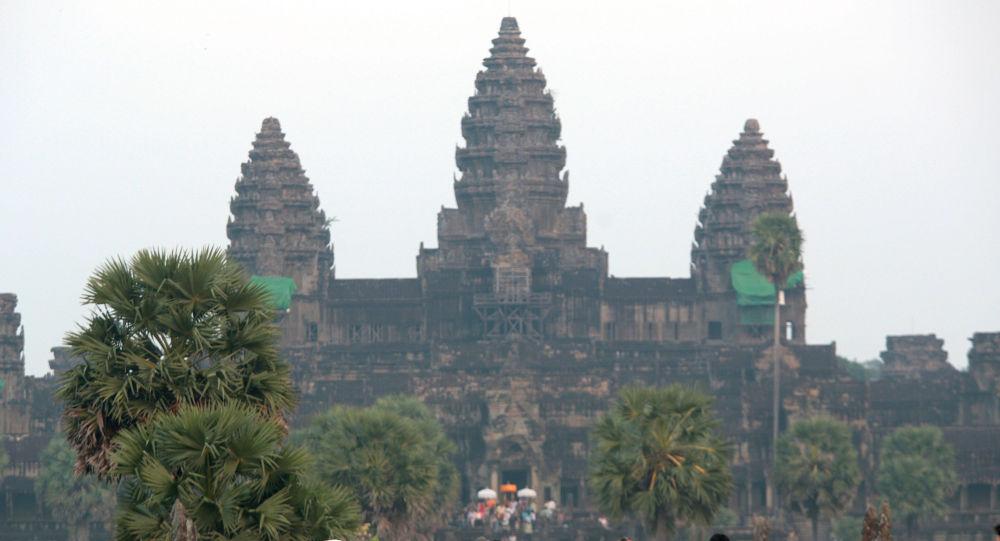 为何非主流间谍电影 《金牌特务:机密对决》在柬埔寨被禁播