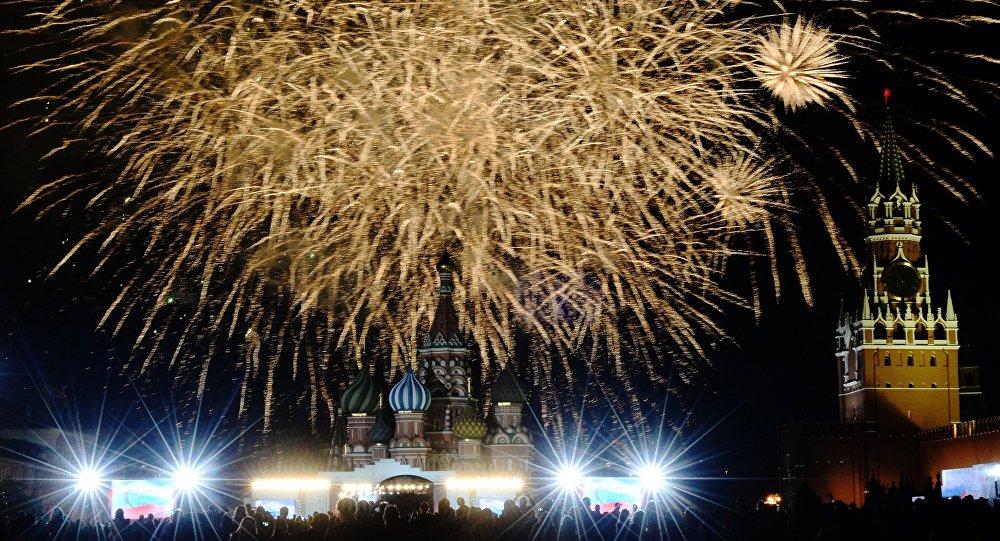 莫斯科150多家烟花店新年前开放营业