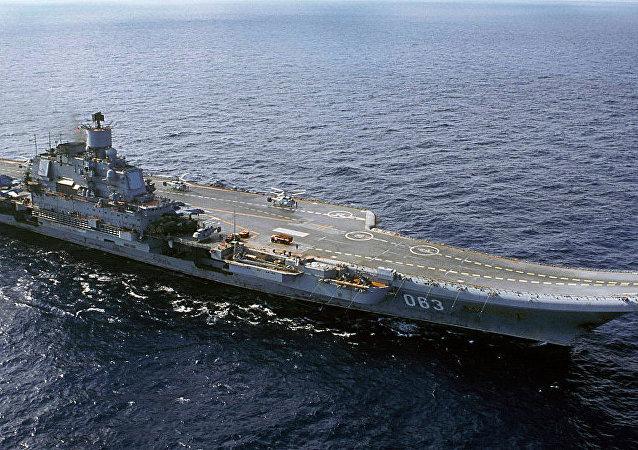 俄議員: 庫茲涅佐夫號巡洋艦上可搭載約 30架飛機和直升機