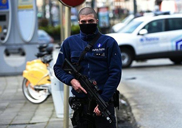 比利時一男子持械襲警 被警方開槍擊傷