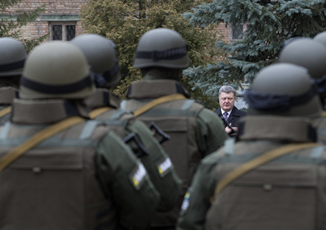 波羅申科承諾將使烏克蘭近衛軍戰士進行「實戰性演練」