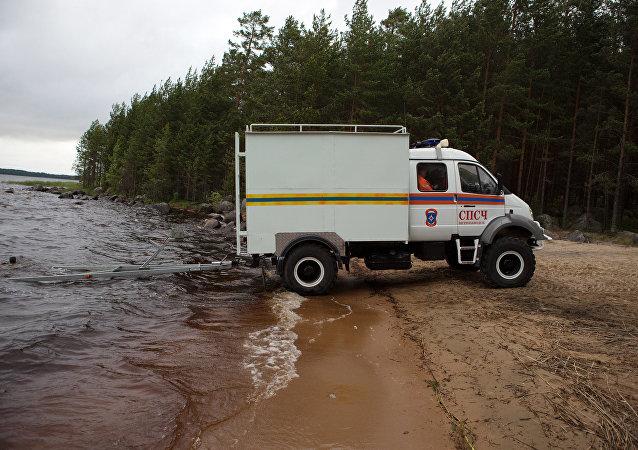 俄联邦紧急情况部的特种车(资料图片)