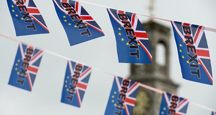 消息人士:英国脱欧过渡期或延长12个月