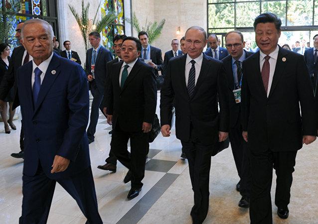 普京和习近平参加上合组织成员国领导人峰会