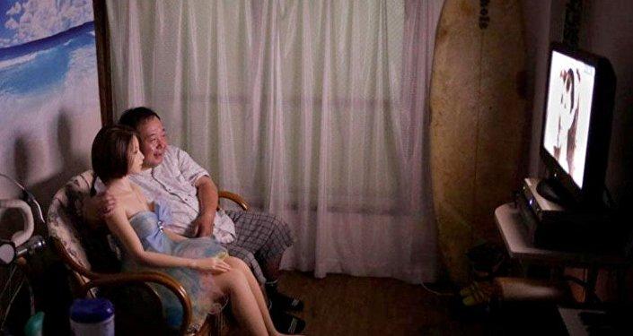 一日本人为一个充气娃娃抛弃妻子