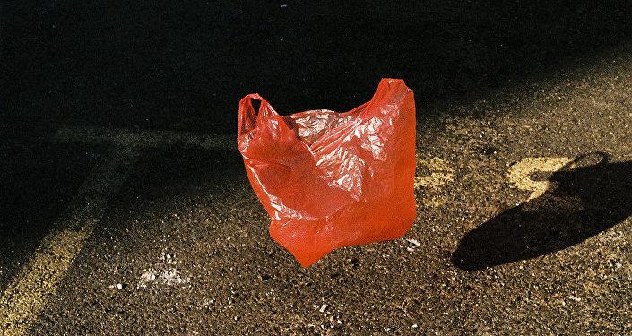 法国超市今起禁售塑料袋