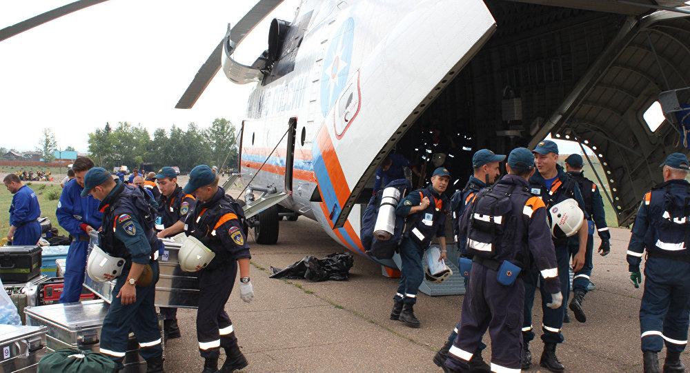 救援人员发现伊尔飞机遇难者遗体残骸和黑匣子