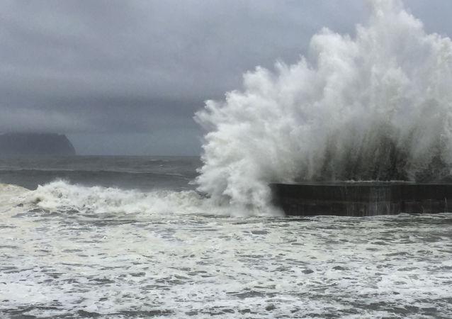 华媒:两艘大陆船只在澎湖附近海域翻覆 12名船员失踪