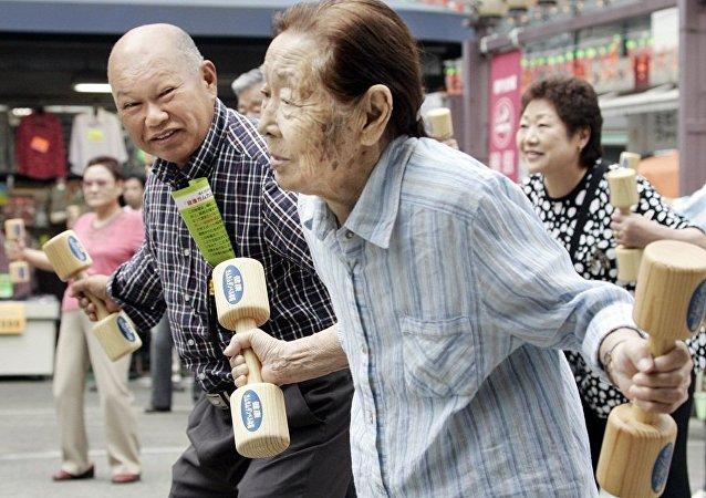 日本退休人員與日本首相夫人對印度大麻合法化表示支持