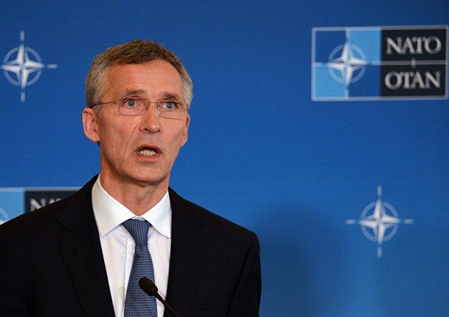 """北约秘书长:北约决定在2016年后延长在阿富汗的""""坚定支持""""任务"""