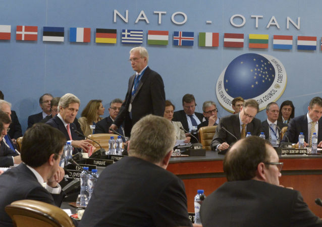 俄罗斯-北约理事会成员在布鲁塞尔讨论缓解紧张局势的途径