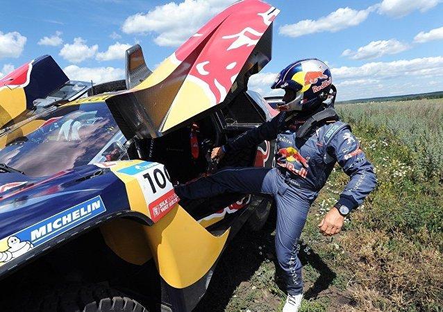 法國車手在絲綢之路拉力賽第四階段越野車賽中獲勝