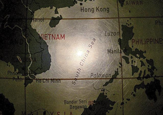 五国在南海举行联合军事演习