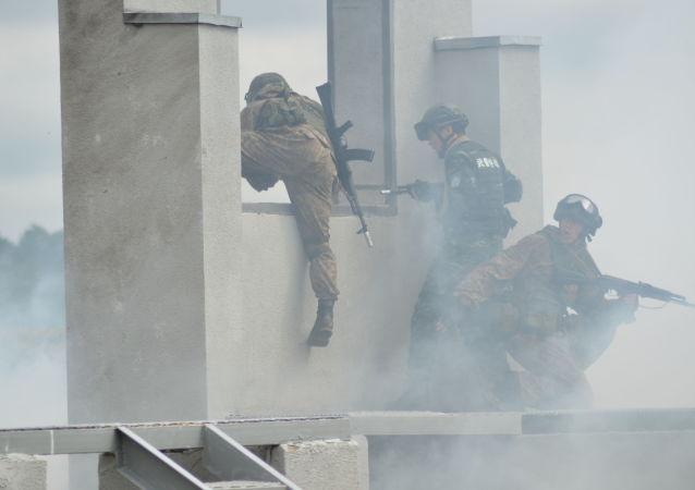 俄国民近卫军与中国武警部队演习在充分默契下进行