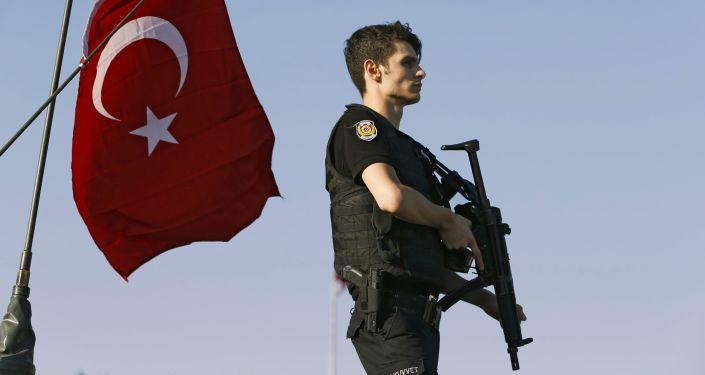 土耳其103名因政变企图在押将领中40余人被捕