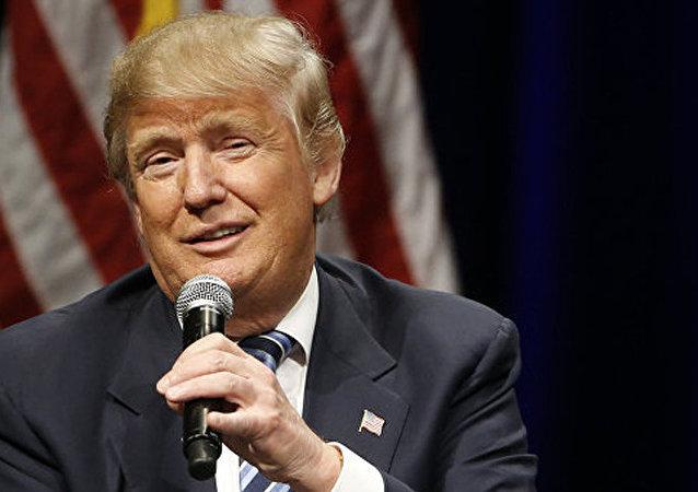 特朗普发表视频讲话为侮辱女性言论道歉