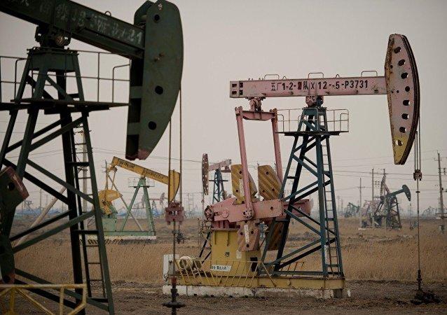委內瑞拉與中國商定增加聯合開採石油產量