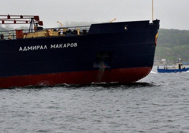 俄黑海艦隊巡洋艦在地中海演習中擊退假想敵