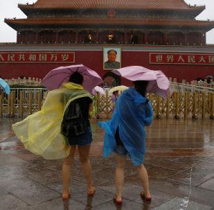 北京发布大风蓝色预警 阵风可达8级