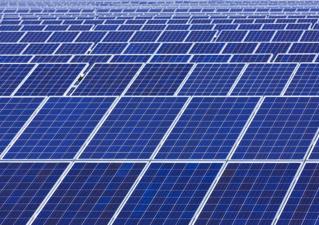 中國在俄投資一億元建設的太陽能發電站投產