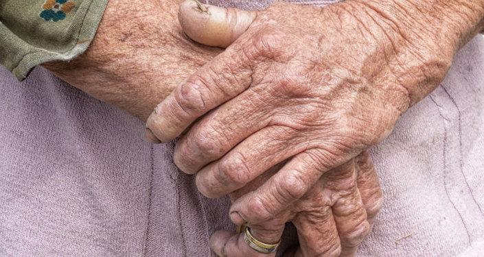 美国104岁老人长寿秘诀竟是无糖可乐