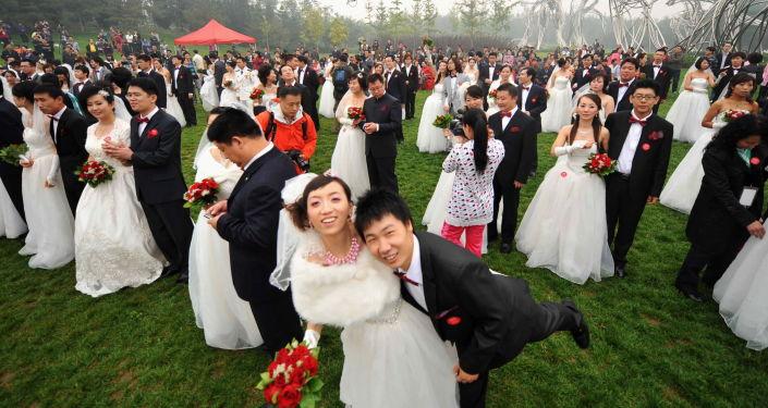 社会学家揭示理想结婚年龄
