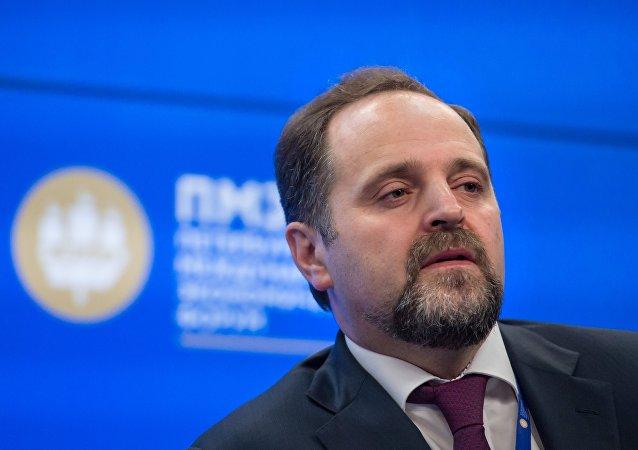 俄自然资源部长:期待中方投资固体矿产勘探