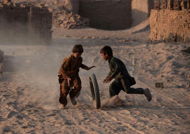 阿富汗5名兒童在炮擊中喪生