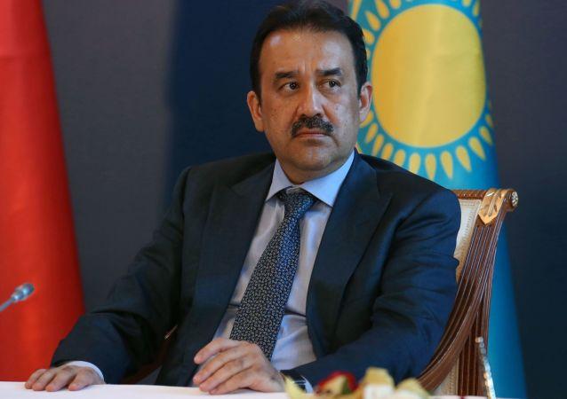 哈總理離職改任國家安全委員會主席
