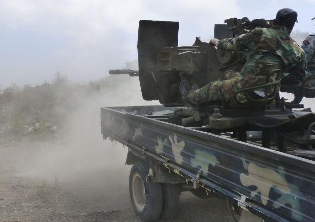 敘政府軍開始對哈馬省恐怖分子主要據點發起進攻