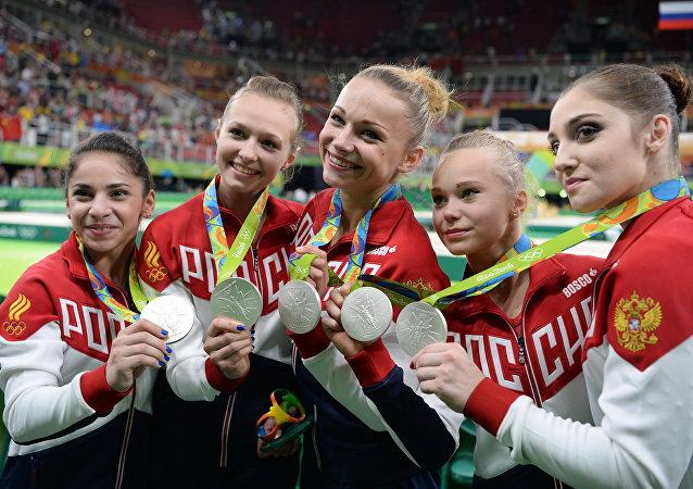 俄羅斯隊獲2016年奧運會體操女團銀牌