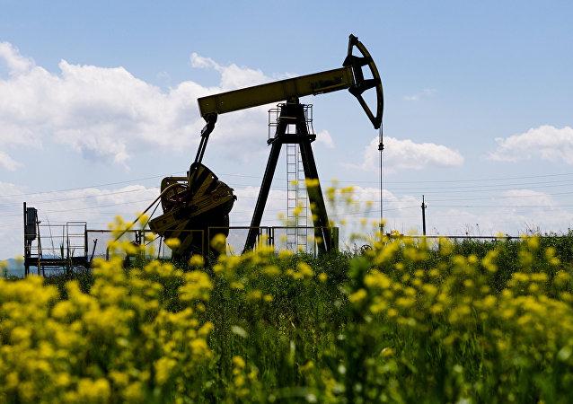 俄能源部提高2018年俄石油產量預測