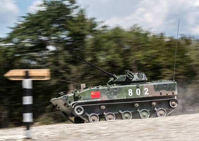 裝甲运兵车