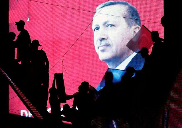 埃爾多安警告北約不要庇護參與未遂政變的土耳其軍人嫌疑犯
