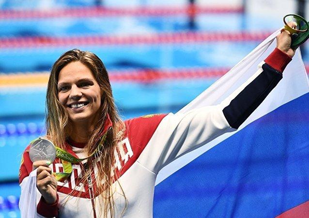 俄游泳名将叶菲莫娃:等待不怀好意者的道歉