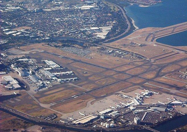 悉尼機場在控制塔著火後恢復運行
