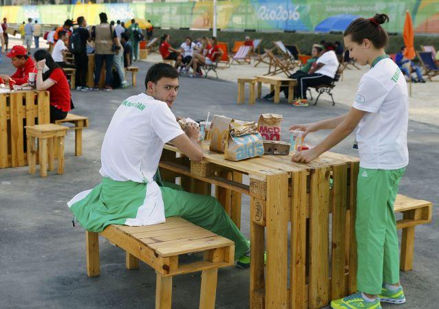 媒体:里约奥运观众饮食供应不足