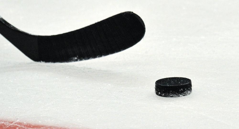 俄阿穆尔河上的冰球场已做好准备好迎接一年一度的俄中友谊赛